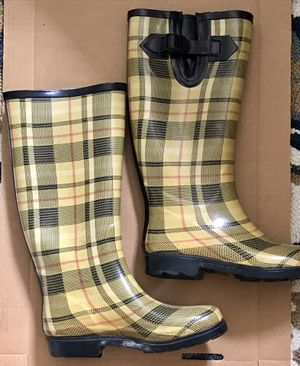Hunter style knee high rain boots. for Sale in Los Angeles, CA