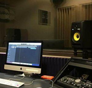 Con $20 le instalo el programa de DJ I el que graba musica de YouTube a tu laptop tablet telefono for Sale in Chicago, IL