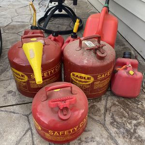 Eagle Type 1 Gas Cans 2-5 Gal & 1-2.5 Gal for Sale in Niagara Falls, NY