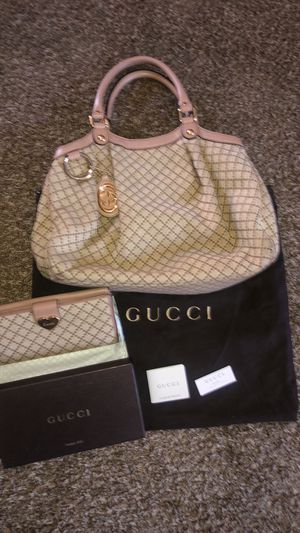 Gucci Purse and Wallet Authentic for Sale in Concord, CA