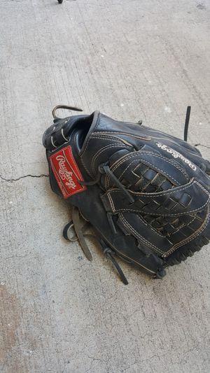 Rawlings solfball glove for Sale in Fontana, CA