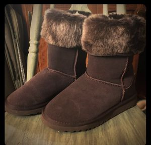 UGG chocolate colored boots size 8 for Sale in Durham, NC