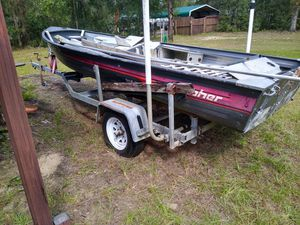 Aluminum 16 Fisher boat gutted needs work with tilt trailer clean title for Sale in Spring Hill, FL