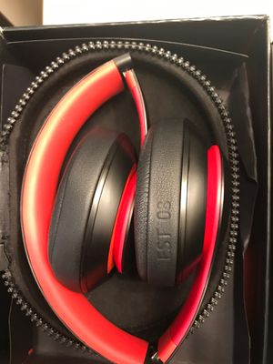 "Beats by Dre Studio3 Wireless ""Decade Collection"" Near perfect condition for Sale in Denver, CO"