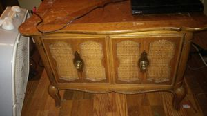 Side table with cabnient storage for Sale in Richmond, KY