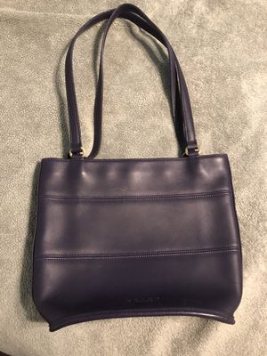 Coach purple leather purse for Sale in St. Petersburg, FL