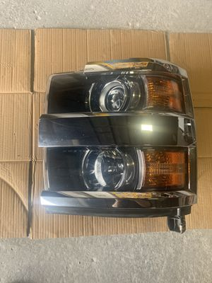 Chevy Silverado Headlight for Sale in Salinas, CA