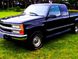 Price$600 🇨 🇭 🇪 🇻 🇷 🇴 🇱 🇪 🇹 1996 🇸 🇮 🇱 🇻 🇪 🇷 🇦 🇩 🇴 pickup car for Sale in Alexandria, VA