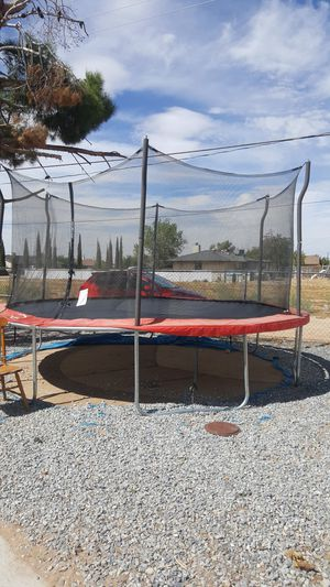 trampoline 15' round with net enclosure, you must take apart for Sale in Apple Valley, CA