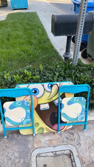 Sponge bob table and chairs for Sale in Redondo Beach, CA