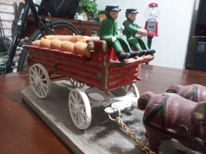 Cast Iron Wagon 8 horses 2 riders 1 dog 28 beer barrels for Sale in Elk Grove, CA