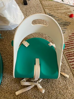 Summer sit compact folding booster seat for Sale in MONTE VISTA, CA