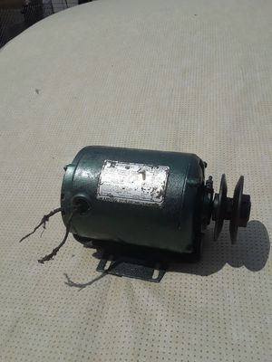 Big drive motor w/pulley. for Sale in Lincoln Park, MI