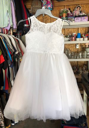 Flower girls dressing for Sale in Lorain, OH