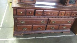 Dresser with mirror for Sale in Allentown, PA