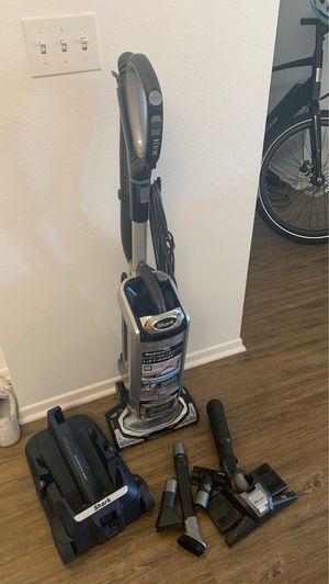 Shark Rotator Powered Lift Away Vacuum for Sale in Los Angeles, CA