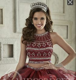 Burgundy quinceanera Dress for Sale in Miami,  FL