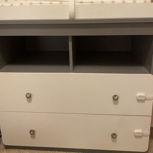 Baby Changing Table/dresser for Sale in Fontana, CA