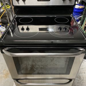 Frigidaire Stove for Sale in West Palm Beach, FL