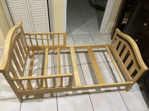 Toddler bed for Sale in Stockbridge, GA