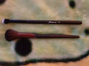 2 cosmetic brushes Luxie & Firma for Sale in PA, US