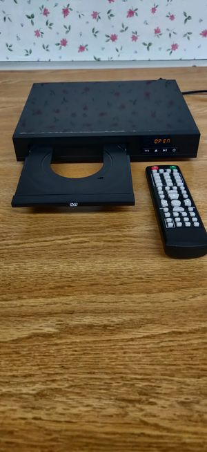Onn DVD player with remote for Sale in Chicago, IL