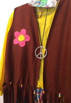 Hippie Halloween - NEW, never worn women's Hippie Chick Costume with all pieces included for Sale in Ontarioville, IL