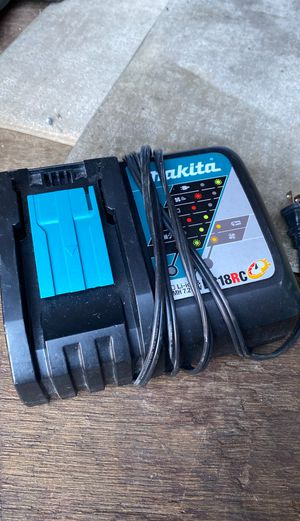 Makita charger for Sale in San Pablo, CA