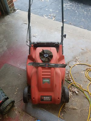 Black and Decker Electric Lawn Mower for Sale in St. Louis, MO