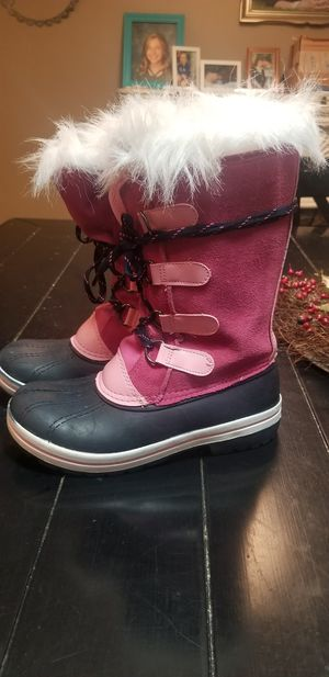 Little girls snow boots size 13 for Sale in Meridian, ID
