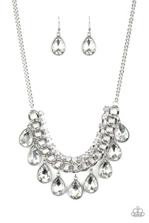 New necklace color silver with white stones for Sale in Santa Ana, CA
