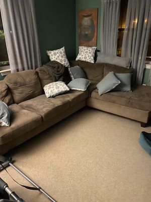 Sectional couch (good condition) for Sale in Milton, MA