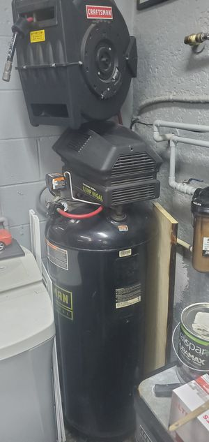 Air Compressor 60 gal Craftsman Professional for Sale in Ocoee, FL