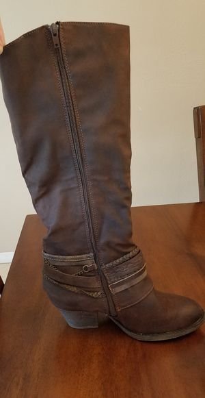 Cowboy boots size 9m like new!!!Accept offers for Sale in Azalea Park, FL