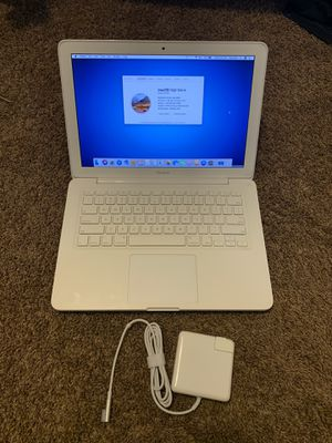 Apple MacBook 💻 Laptop Computer with Logic Pro X, Adobe CS5 Suite, iWork, iLife, Microsoft Office and Final Cut Pro for Sale in Las Vegas, NV