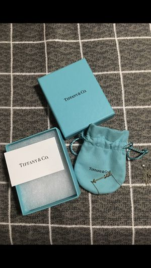Tiffany & Co Arrow Pendant for Sale in Cypress, CA