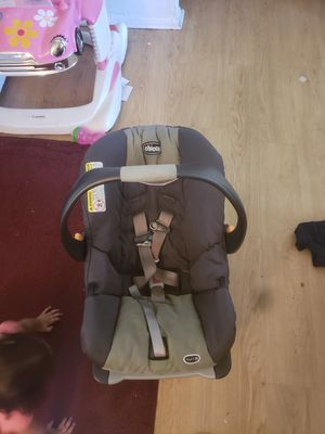 Infant car seat for Sale in Oxon Hill, MD