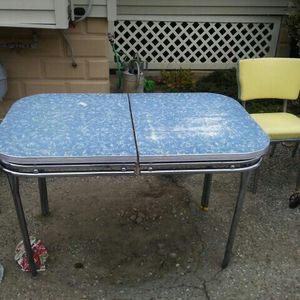 60's era kitchen and 4 chairs. for Sale in Vineland, NJ
