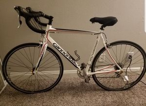 56cm Cannondale synapse road bike for Sale in Los Angeles, CA
