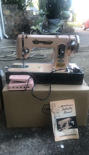 Atlas Deluxe Sewing Machine for Sale in Ooltewah, TN