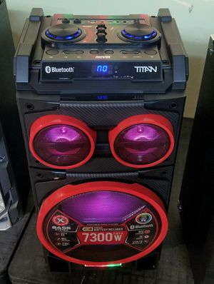 """10"""" speaker with bluetooth, FM radio, USB connection, rechargeable battery, microphone included, and LED lights. Brand New. for Sale in Doral, FL"""