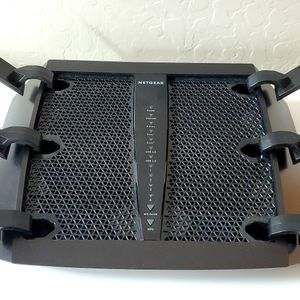Netgear Nighthawk 3200 Tri-band WiFi Router for Sale in Mesa, AZ