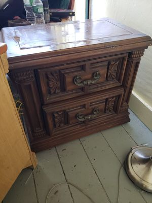 antique end table with drawers for Sale in Lincoln, RI