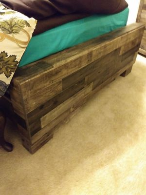 Ashley footboard to bedroom set for Sale in Wichita, KS