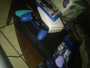PS4 selling it for 269$ for Sale in Adelanto, CA