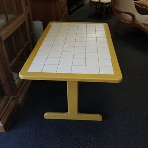 $59 tile top kitchen dining table. Painted yellow. (got chalkpaint?) for Sale in La Mesa, CA