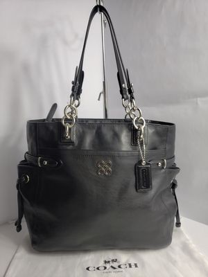 Like New Authentic Coach Madison Black Leather Large Tote Handbag PRICE FIRM 🚫 for Sale in San Antonio, TX