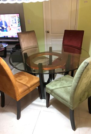 Kitchen table for Sale in Miami, FL