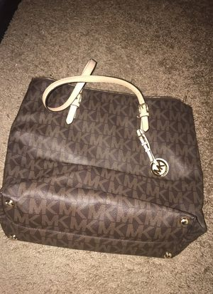 Large Michael Kors Tote for Sale in Tempe, AZ