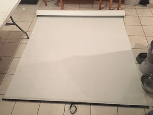 Silhouette Series M Projection Screen for Sale in Fort Walton Beach, FL